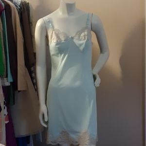 Vintage Aqua Nylon & Ecru Lace Full Slip sz. 34